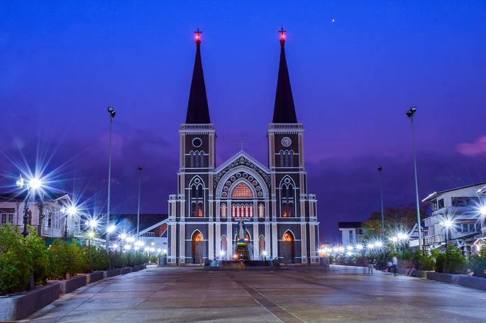 CHURCHES IN THAILAND – A HISTORY OF TOLERANCE SET IN STONE